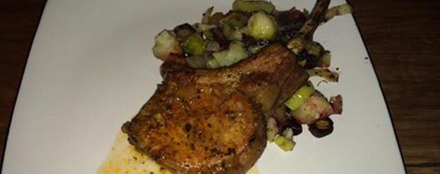 C telette de porc coupe h tel ou filet de porc compl tement poireau - Cotelette de porc coupe hotel ...